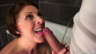Hot Cuties Pee and Squirt Like Crazy