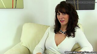 Scottish milf Toni Lace dips her fingers into her juicy cunt