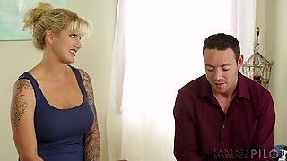 Mature masseuse seduces her client
