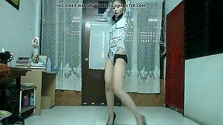 Thai dancing slut 1