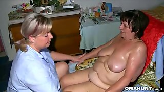 Granny Gets Pussy Massage From Chubby Babe