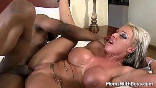 Jammin' My BBC Into Milf Carmen Jays Hot Pussy