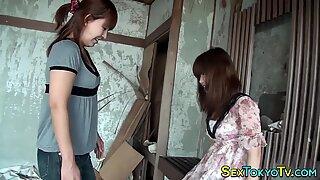 Japanese babe rides toy
