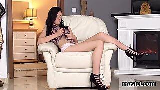 Horny czech teen opens up her juicy fuckbox to the unusual