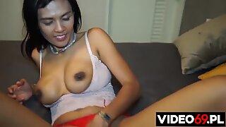 I meet a girl from Asian Tinder