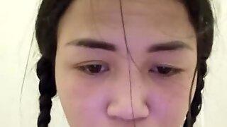 Thai Teen Masturbate in Public Toilet