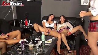 FUN MOVIES How to use a dildo