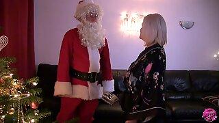 LACEYSTARR - I Saw Granny Fucking Santa Claus